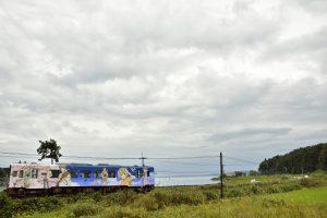 のと鉄道花咲くいろはラッピング列車