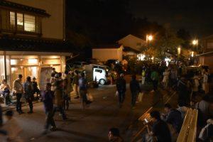 湯涌ぼんぼり祭り、温泉街